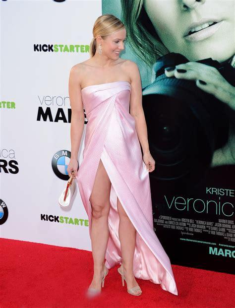 Kristen Bell Wardrobe Malfunction kristen bell suffers wardrobe malfunction at mars premiere moejackson