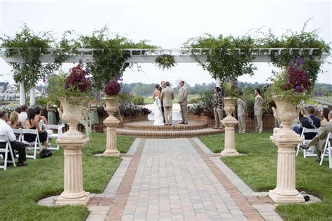 Garden Wedding Ideas Decorations Rustic Outdoor Wedding Altar