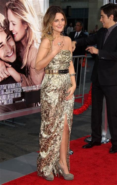 Catwalk To Carpet Drew Barrymore In Gucci by From Catwalk To Carpet This Balmain Gold Dress Has Wowed
