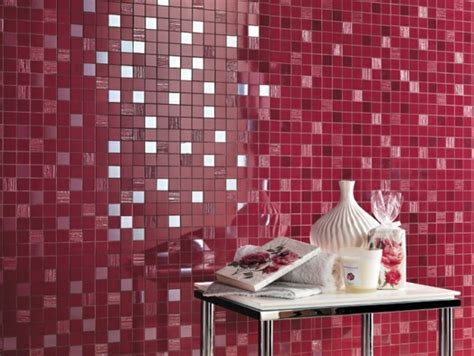 rote fliesen bad bad mit mosaikfliesen 34 interessante ideen