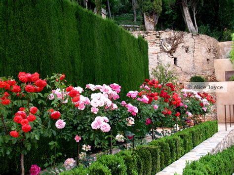 alhambra generalife granada spain islamic garden