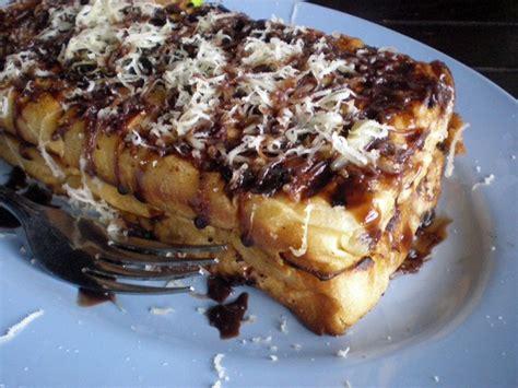 eat local foods   visit jakarta indonesia
