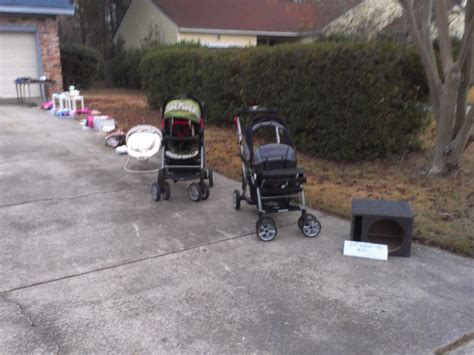 Garage Sales Baby Stuff by Yard Sale Now Saturday 12 7 Lots Of Baby Stuff