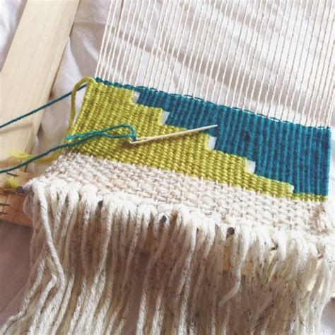 Wall Hanging Tutorial - diy woven wall hanging all put together