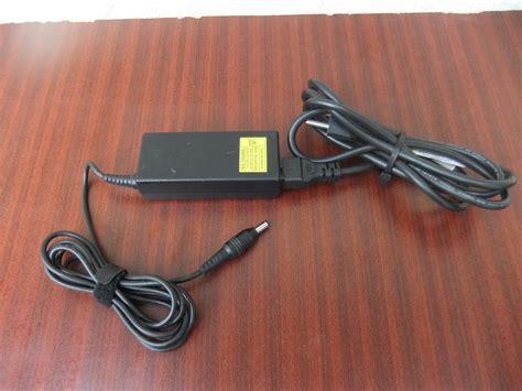 Toshiba 19v 3 42a Adaptor toshiba adapter 19v 3 42a original garancija kupindo