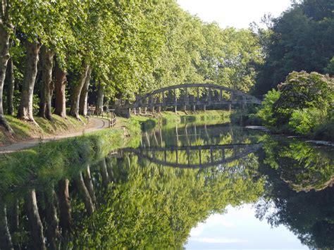 Canapé Sur Pied by File Castets En Dorthe Canal Lat 233 Ral 224 La Garonne Pont