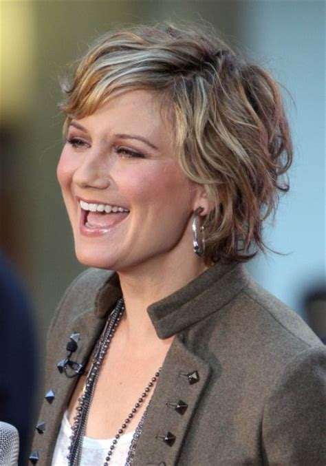 low maintenance hairstyles for women over 40 short layered hairstyles wavy hair