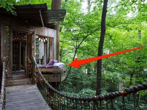 amazing tree houses 7 amazing tree houses you can rent on airbnb business insider