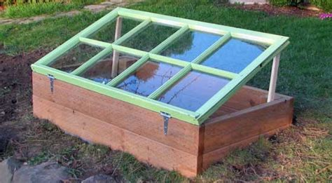 Get Framed! How to build and use a simple cold frame ? cluck!