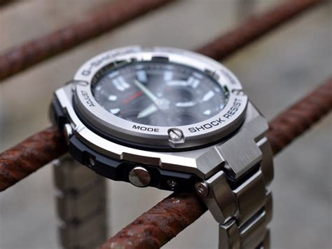 Casio G Shock G Steel GST W110D 1AER