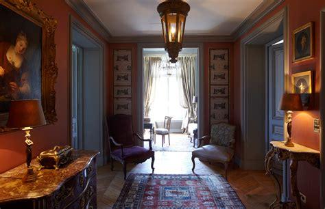 vestibulo de entrada a una vivienda lujo y mucho estilo en un gran apartamento de par 237 s