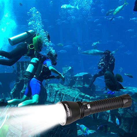 best scuba diving lights best dive lights buying guides and reviews for 2017