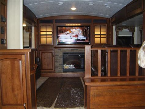 wheel campers  front living rooms roy home design