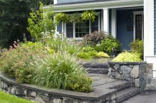 beautiful small front yard landscaping ideas with low