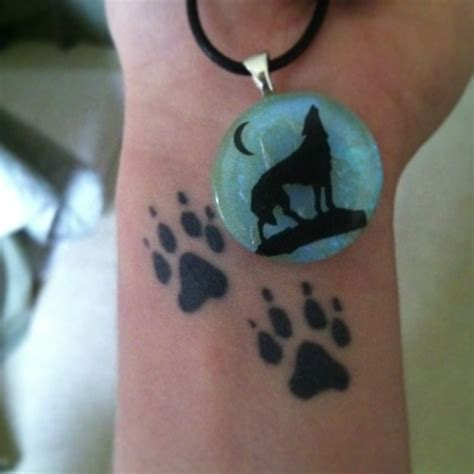 wolf paw print tattoo designs 17 best ideas about wolf print on