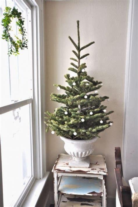 29 small christmas tree decor ideas shelterness