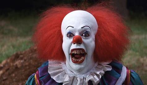 Diy Backyard Projector Screen The Clown By John Dunivant 411posters