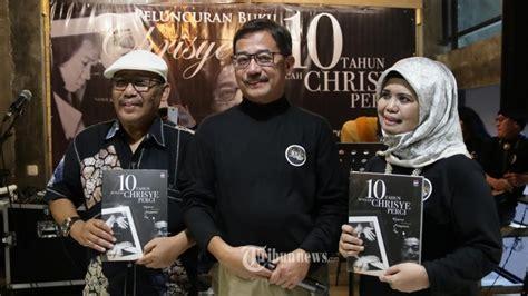 Buku Meseeem Ye Oleh Warta Kota ferry mursyidan baldan dan buku 10 tahun setelah chrisye