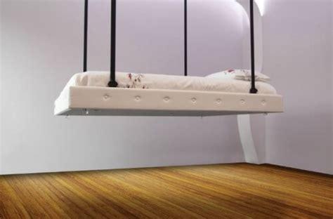 letto a scomparsa nel soffitto non rifare il letto migliora la salute scienze notizie