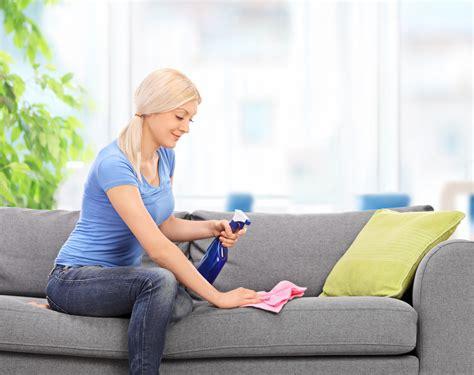 pulire divani in tessuto come pulire il divano in tessuto diredonna