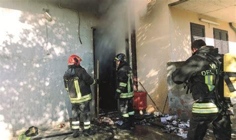 ufficio di collocamento capo d orlando capo d orlando ufficio edile viene distrutto da un