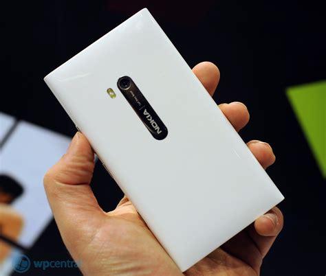 White Nokha with the white nokia lumia 900 windows central