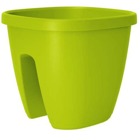 vasi con riserva d acqua vasi da ringhiera con riserva d acqua fai da te in giardino