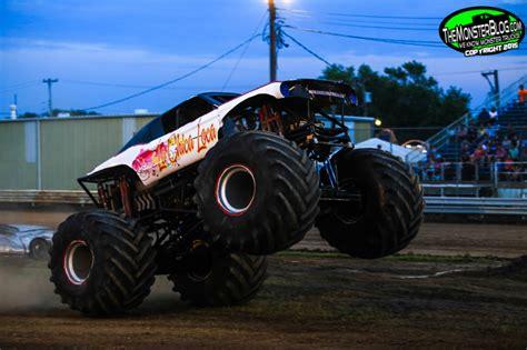 monster truck show illinois themonsterblog com we know monster trucks monster