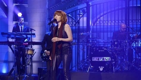 carly rae jepsen snl lady antebellum performs quot heart break quot on jimmy fallon s