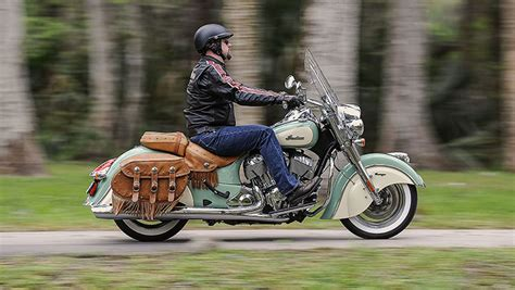 dual tone 2015 indian motorcycles line up revealed pic gallery