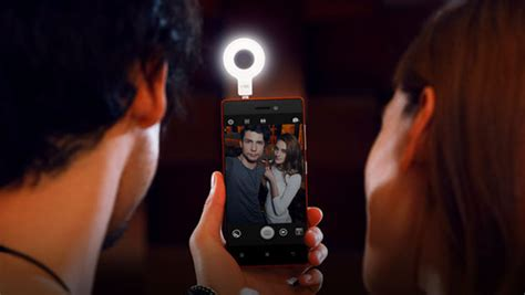 Lenovo Vibe Selfie Flash lenovo launches vibe xtension selfie flash to help you capture selfies in low light