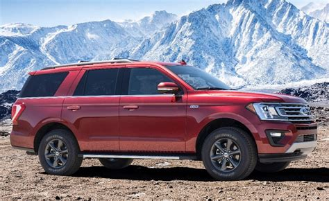 ford builds  road cred   expedition fx  fall jd power cars