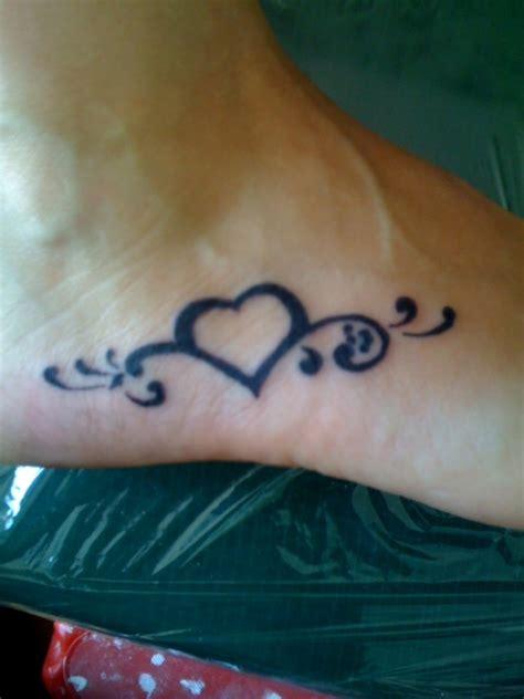 heartbeat tattoo on foot heart foot tattoo design tattooshunt com
