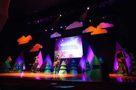 best xmas stage decoration top 10 stage designs church stage design ideas