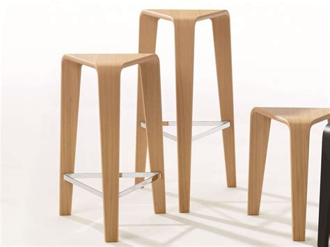 sgabelli in legno usati sgabelli scegli il tuo stile cose di casa