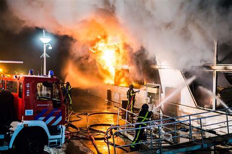 schip brand uitslaande brand op cruiseschip in hardinxveld giessendam