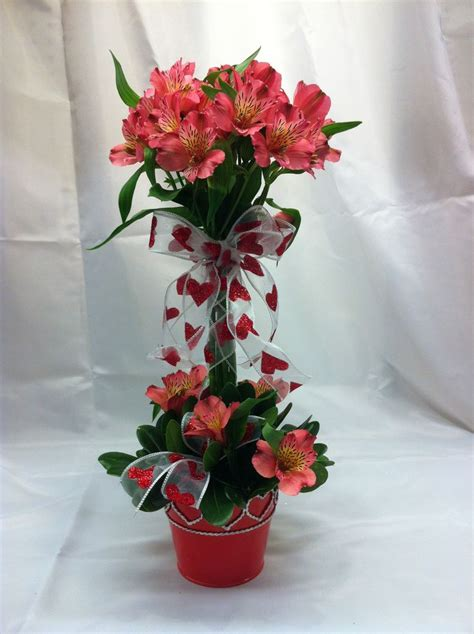 pictures of valentines flowers best 25 flower arrangements ideas on