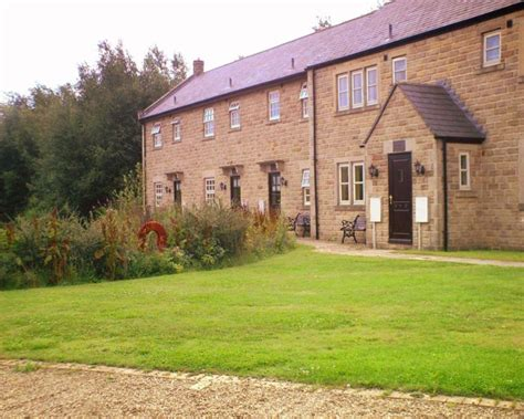 cottages in matlock darwin lake cottages self catering cottage for hen