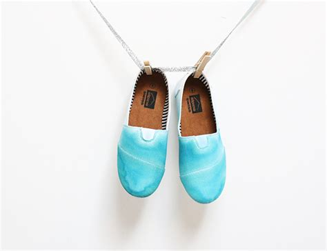 ombre shoes diy diy dip dyed ombre shoes inspired by this