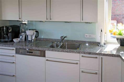 küchen granit arbeitsplatten kuchenzeile rosa marmor diverse k 252 chen interieur ideen