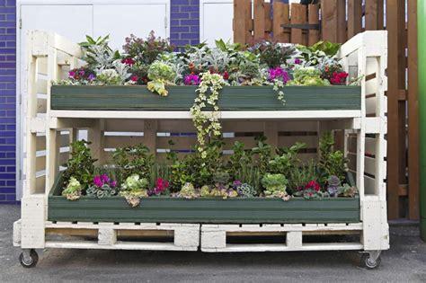 Diy Vertical Pallet Garden - orto fai da te con pallet diy pallet vegetable garden caseperlatesta