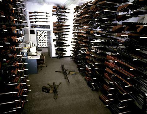 arsenal guns obama is against us having guns but his bureaucrats are