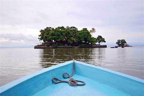 boat ride spanish nicaragua daily tour las isletas boat tour granada