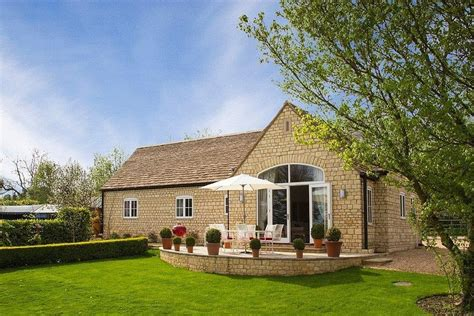 cottage hire cotswolds top lodge cottage