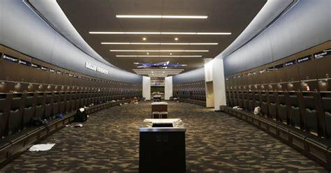 dallas locker room dallas cowboys inside the cowboys locker room why veterans are near entrance exits sportsday