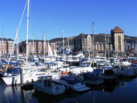 boat mooring south wales statue of dylan thomas picture of swansea marina