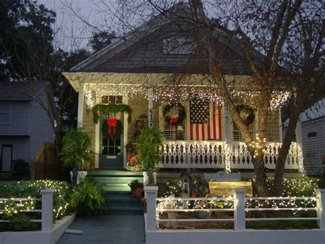 Pictures Of Homes Decorated For Outside by Cottage Decorating Outdoors4 I Am Right