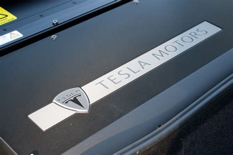 tesla to create world s largest lithium ion battery factory