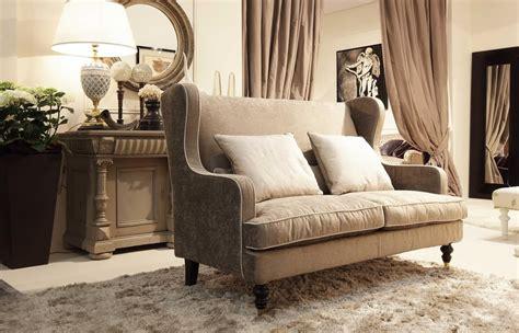 divanetti classici divanetto per ambienti classici disponibile con volant
