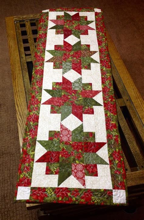 quilt pattern for table runner quilts christmas on pinterest christmas table runners